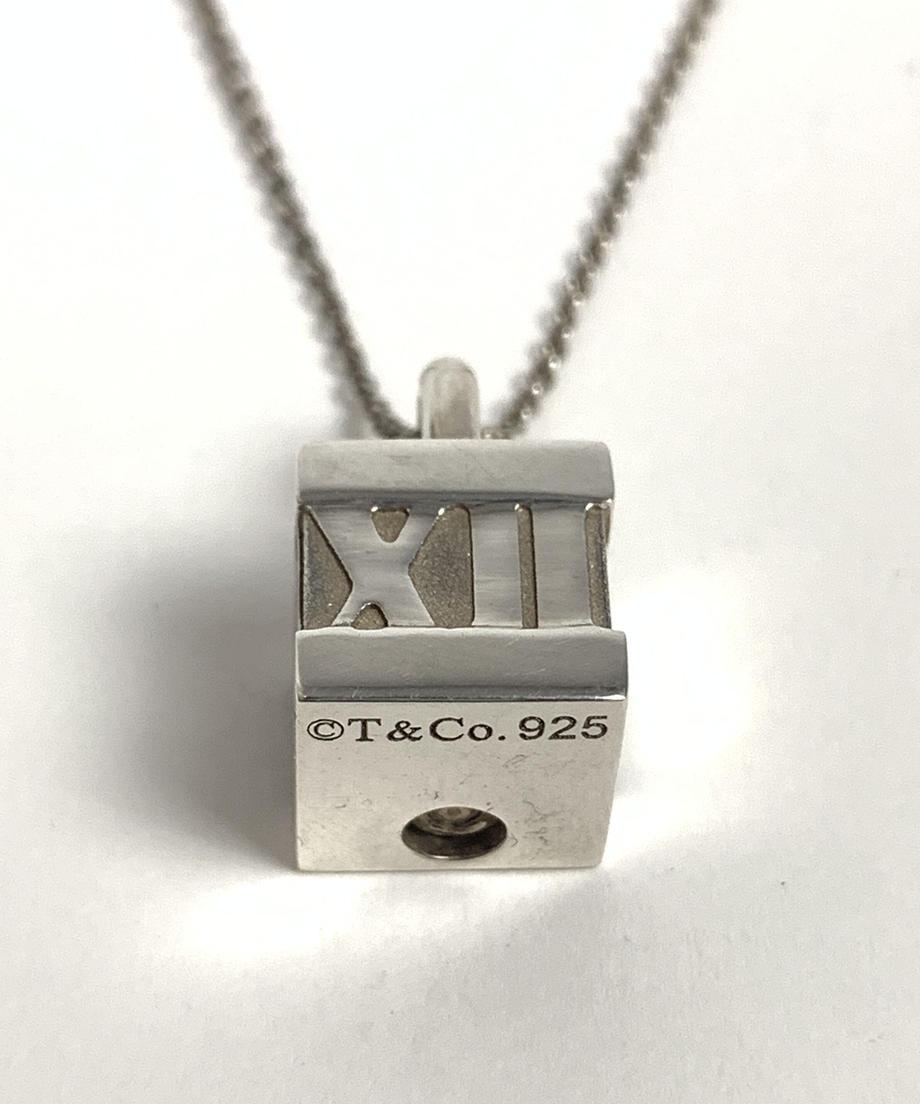 601a55f7c19c45624a9227d1