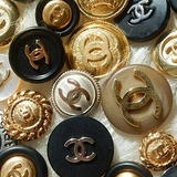 VINTAGE BUTTONS STORE